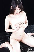 Kasugano Yui rubbing cum into her small breasts
