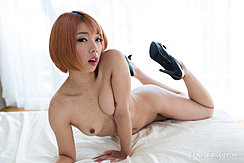 Kobayashi Chie Lying Naked Short Hair Small Tits High Heels